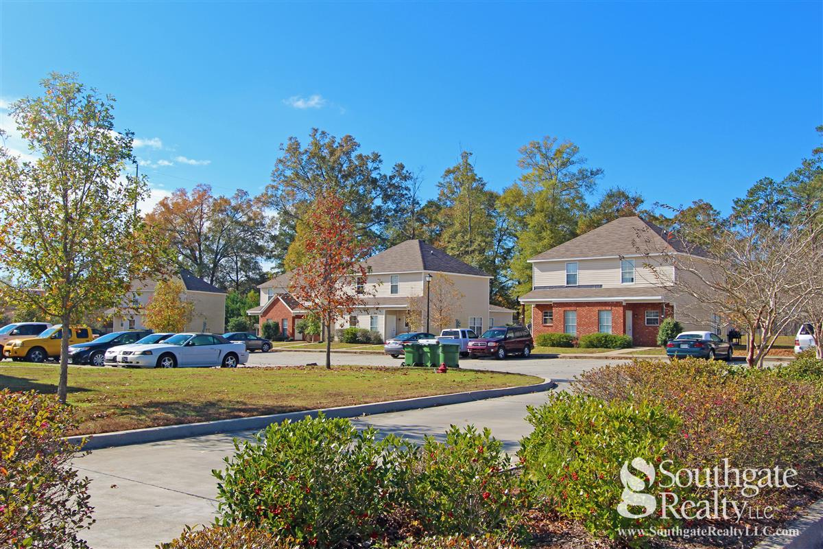 Pine Creek Townhomes Apartment In Hattiesburg Ms